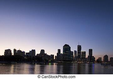 brisbane city at dusk