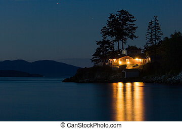 Dream house - Lighted house on Pacific coast, Washington...