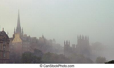 Edinburgh 12 - Edinburgh in the mist