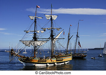 lady washington - the lady washington in port
