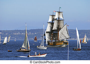 Lady Washington - The lady Washington among other boats
