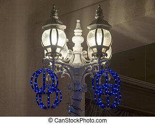 Christmas Decorated Lanterns - 4-lantern lightpost - lantern...