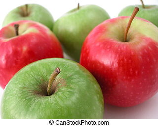 fresh crunchy apples ready to eat