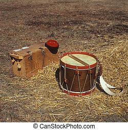 Civil War drum - Drummer boy\\\'s drum, cap, and case from...