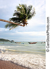 Tropical Storm - Tropical storm coming in on Ko Tao,...