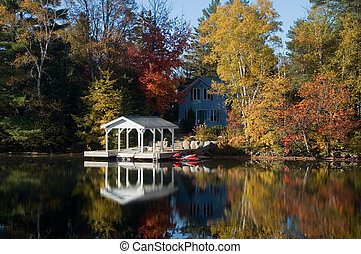 Pretty Cottage - Pretty cottage, with dock and a variety of...