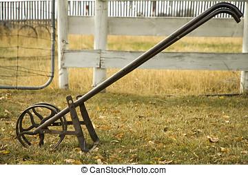 Row cultivator - Hand-push row cultivator.