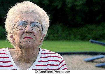 Granportrait 10 - Portrait of a senior citizen woman on a...