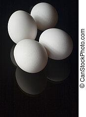 cuatro, huevos
