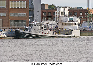 Tug Boat - US Navy Tug Boat at Navy Shipyard