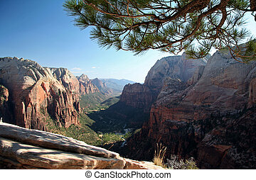 Angel\\\'s Landing Summit View - Zion Canyon National Park -...