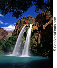 HavasuFalls2 - Havasu Falls, on the Havasupai Indian...