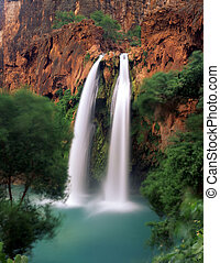 HavasuFalls3 - Havasu Falls, on the Havasupai Indian...
