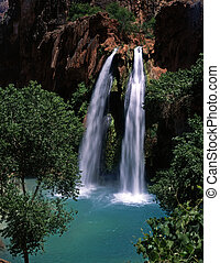 HavasuFalls4 - Havasu Falls, on the Havasupai Indian...