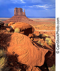 MonumentValley3 - The West Mitten Butte formation, located...