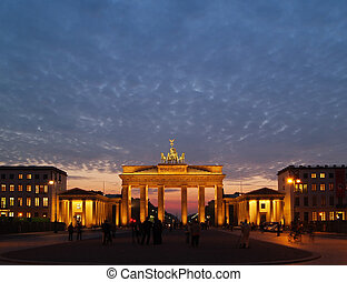 Brandenburg gate at dawn