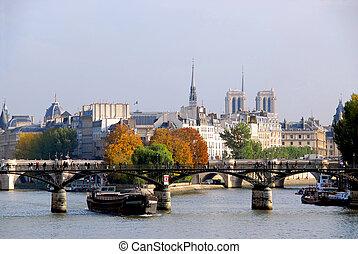Paris Seine - Stone bridges over Seine in Paris France