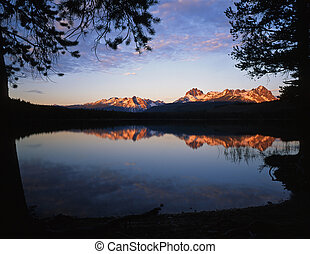 LittleRedfishLake - Little Redfish Lake the Sawtooth...