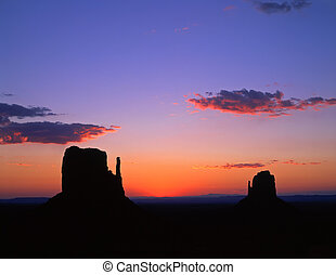MittenButtesSunrise - The Mitten Buttes in Monument Valley...