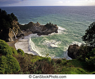 McWayfalls - McWay Falls in Julia Pfeiffer Burns State Park,...