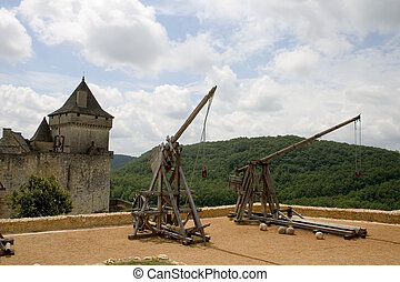 Trebuchets in Castelnaud, France - Trebuchets siege warfare...