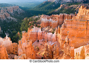Sunrise in Bryce - Bryce Canyon national park, Utah, USA