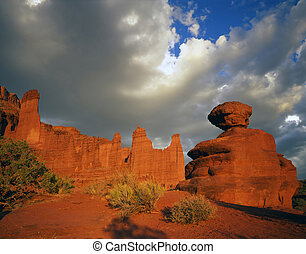FisherTowers and Boulder - The Fisher Towers and a balanced...