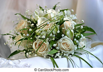 Wedding bouquet - 9 - The bride holds a wedding bouquet