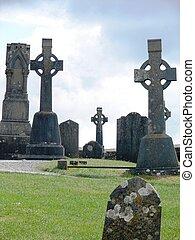 tombes, irlande