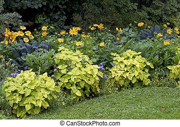 Garden in Bordeaux, France - Landscaped garden in Bordeaux,...