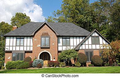 Tudor home - Nice tudor style home