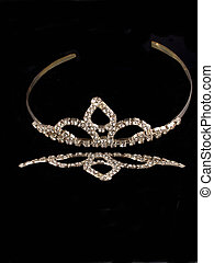Reflective Crown - A shinny Rhinestone Tiar with reflection,...