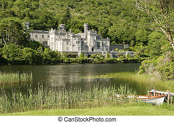 Irish Countryside Castle - An Irish castle in the...