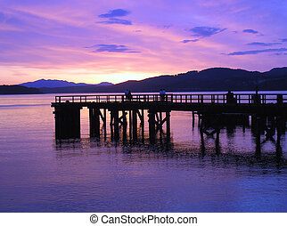 davis bay pier 17 - sunset at pier 17 on the sunshine coast
