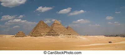 Pyramids Panorama - Panorama of the great pyramids.