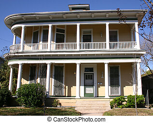 Victorian House San Antonio - Victorian house in the King...