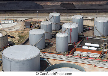 Refinery storage - Oil, gasoline and gas storage at a...