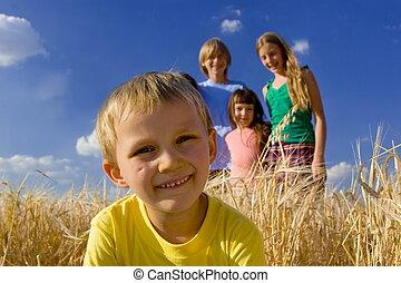 fun - Smiling children in ceral