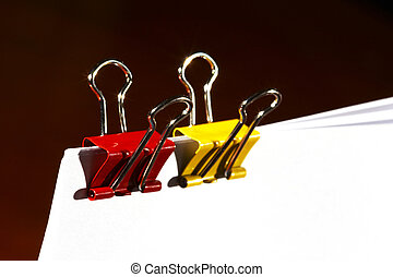 paper clips in red and yellow