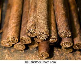 hand made cigars - handmade freshly rolled cigars dominican...