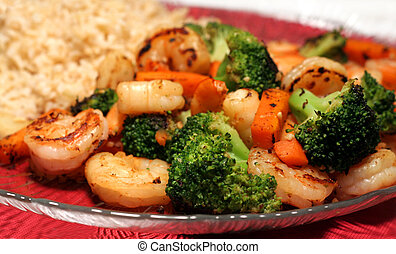 Shrimp Stir Fry - Shrimp stir fry with broccoli, carrots,...