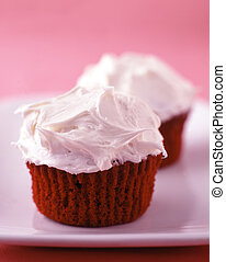 red velvet cupcakes with vanilla frosting - Two red velvet...