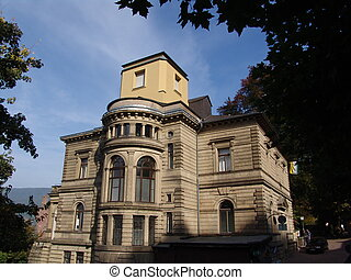 Old Heidelberg Bldg - A view of an stately but old building...