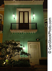 Spanish house - A green house of Spanish style