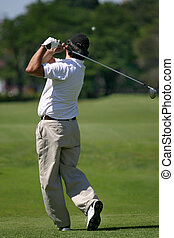 Golfista_0121. - man playing golf photo taken just after...