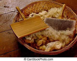 Carding Combs - Raw wool and carders