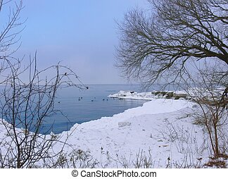 Lake in winter 6034 - Lake Ontario in winter time with big...