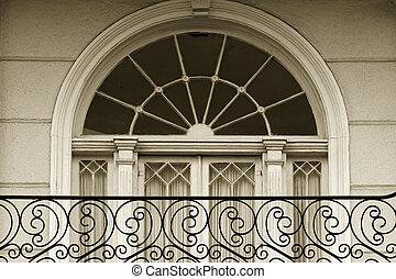 Garden district - Window detail in Garden district of New...
