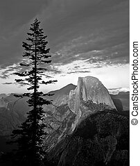 MN0564HalfDomeGlacierPointB&W - Half Dome photographed from...