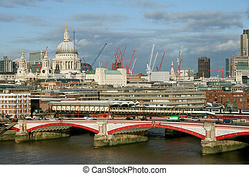 Blackfriars Bridge - Sunny afternoon London panorama with...